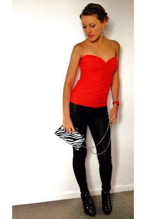 red own design top - black leggings - black H&amp;M shoes - red Mango accessories -
