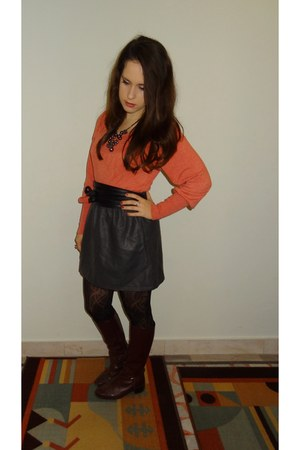 H&M skirt - oxford street sweater - H&M necklace