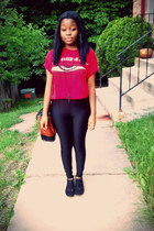 red graphic t-shirt - black boots - black leggings - burnt orange vintage bag