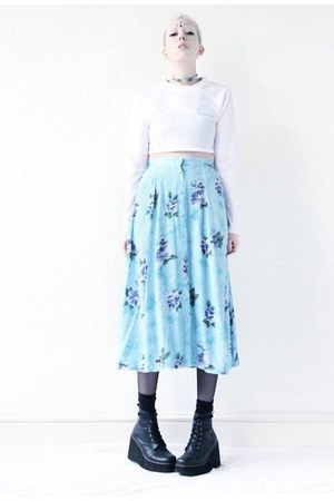 light blue floral Mind the Mustard skirt - white crop top Mind the Mustard top