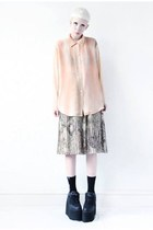 peach sheer Mind the Mustard blouse - black platform Cute to the Core shoes