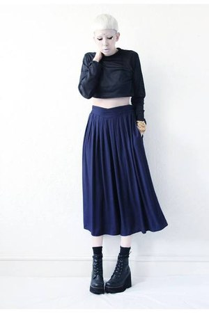 navy culottes Mind the Mustard pants - black crop top Mind the Mustard top