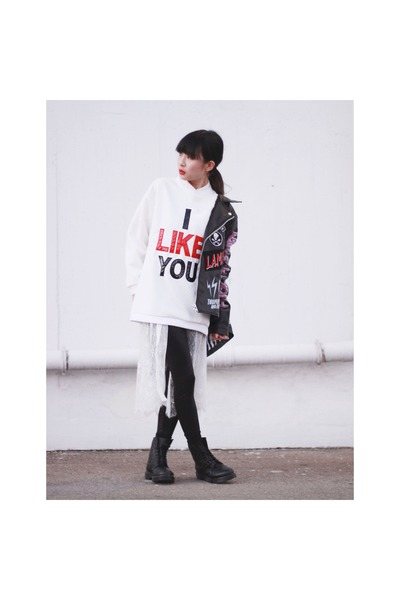 black Dr Martins boots - black bratson jacket - white korea sweatshirt