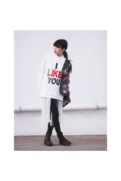 black Dr Martins boots - black bratson jacket - white korea sweatshirt