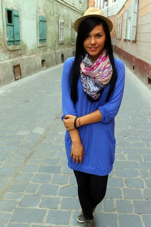 hot pink scarf - beige hat - black leggings - blue blouse