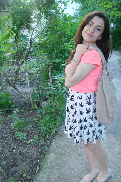 H&M skirt - Accessorize bag - random flats - Stradivarius t-shirt