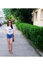 Tawny-leather-random-bag-navy-c-a-shorts-black-pepe-jeans-sunglasses