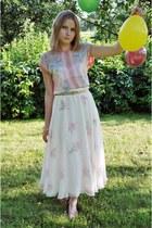 cream vintage skirt - bubble gum F&F blouse - camel Street sandals
