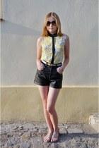 black GINA TRICOT shorts - yellow Mohito shirt - beige Street sandals