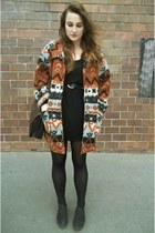 vintage coat - H&M shoes - Secondhand dress