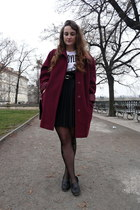 second hand coat - second hand shoes - H&M t-shirt