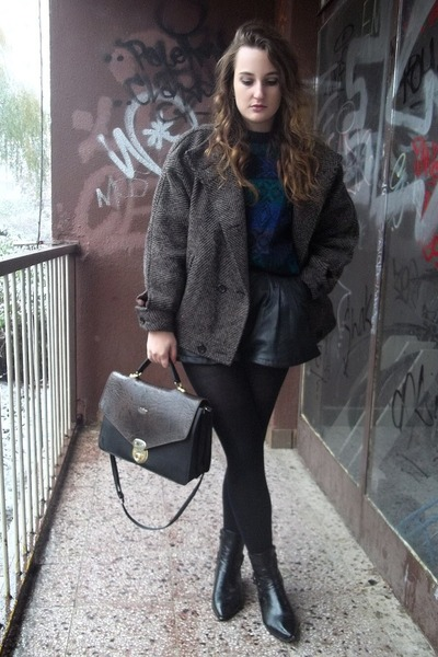 Secondhand coat - grandma bag - DIY shorts