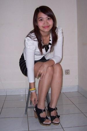 white blazer - black skirt - black UP wedges