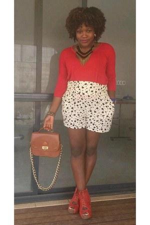 brick red novo shoes boots - brown vintage bag - cream Derrin shorts