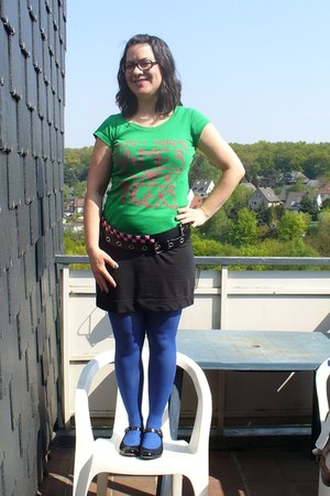 green duesenberg shirt - blue tights - black H&M skirt - bubble gum belt - black