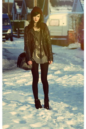 Zara jacket - Beechfield hat - H&amp;M bag - Topshop vest - new look wedges