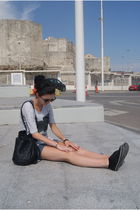black Sfera bag - black Miss Selfige shoes - blue Zara t-shirt - vintage accesso