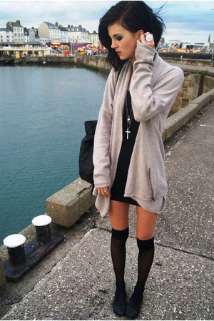 black Miss Selfige dress - beige Zara cardigan - black Sfera bag