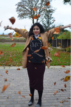 salmon collared shirt vintage t-shirt - tan camel coat Topshop coat