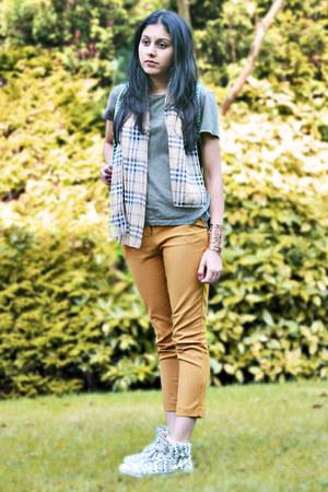 olive green Zara t-shirt - camel Burberry scarf - mustard Topshop pants