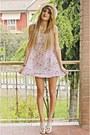 White-hat-pink-dress-white-heels