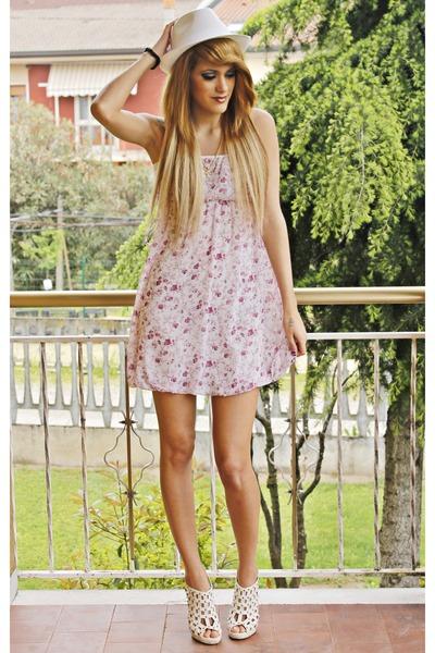 white hat - pink dress - white heels