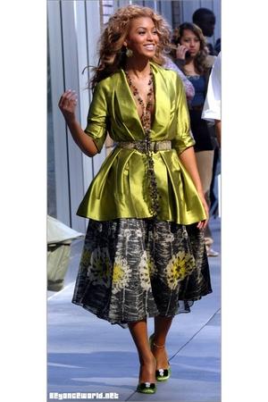 gold jacket - green skirt - gray shoes - blue belt