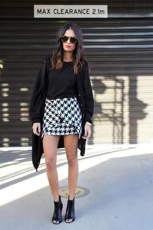 HelloParry skirt - Karen Walker sunglasses - Topshop t-shirt - Wittner heels
