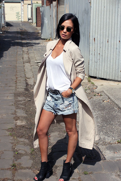 Urban Outfitters coat - One Teaspoon shorts - Ray Ban sunglasses - Wittner heels