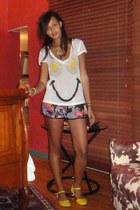 white Sauce t-shirt - puce River Island shorts - yellow asoscom sandals
