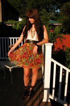 gold vintage necklace - black strappy wedges Soda shoes - black vintage belt