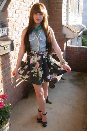 black Forever21 heels - floral thrifted skirt - light blue denim vintage vest -