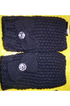 Fingerless knit gloves gloves