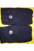 Fingerless knit gloves gloves