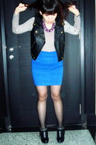 blue electric Zara skirt - black buckle GoJane boots