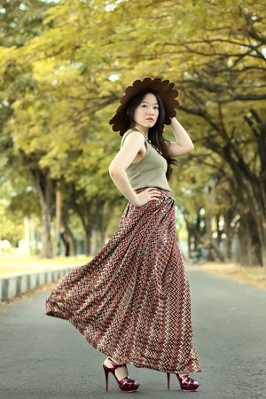 ethnic maxi skirt - dark brown scallop asos hat - maroon tribute YSL heels