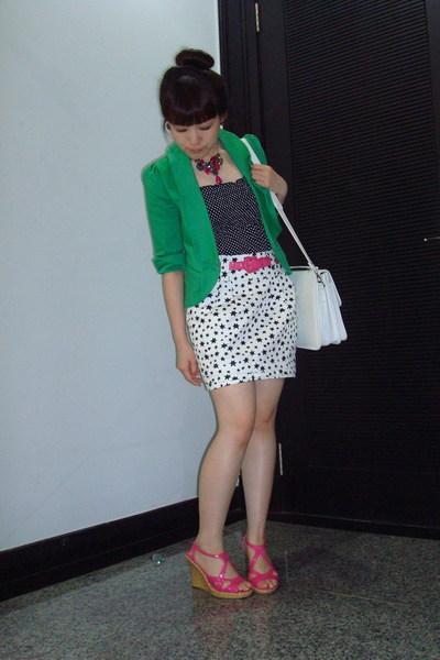 green short sleeves random brand blazer - pink wedges GoJane shoes