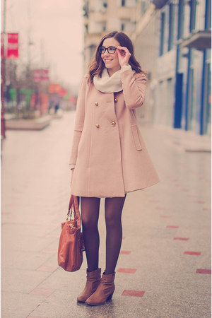 light pink Front Row Shop jacket - off white Pimkie dress