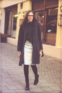 Gray-thrifted-coat-forest-green-zara-sweater-silver-front-row-shop-skirt
