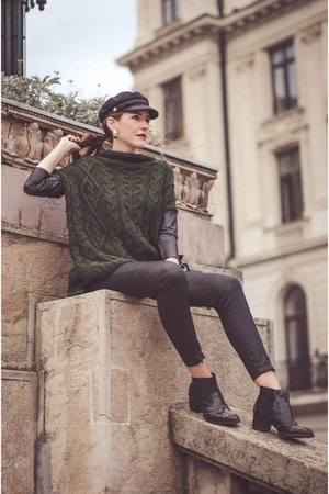black H&M boots - dark green Zara sweater - black Stradivarius pants