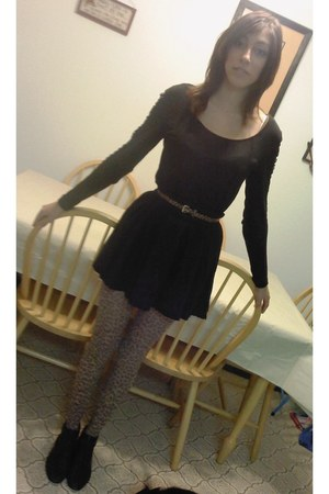 black skirt skirt