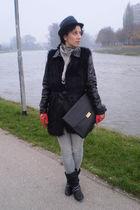 vintage bag - Retro boots - leather random brand gloves - Terranova jacket - Ter