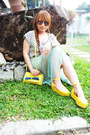 Yellow-unbranded-shoes-yellow-messenger-type-unbranded-bag