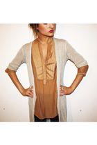 Xetra cardigan - Zara blouse