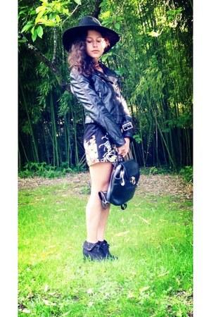 black new icons H&M hat - black Lancaster bag - printed Zara skirt