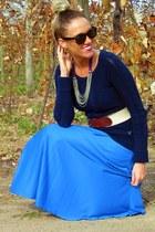 blue thrifted skirt - black Ray Ban sunglasses