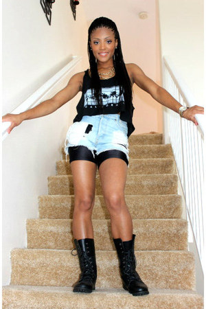 combat Forever 21 boots - brandy melville shorts - cropped brandy melville top