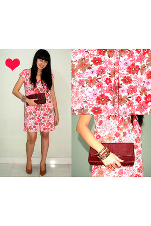 Urbie Store wwwbloopendorsecom dress - from australia - Belongs to mom shoes - F