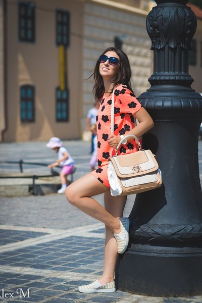 Michael Kors watch - AXPAris dress - Aldo bag - MeliMelo sunglasses - Aldo flats