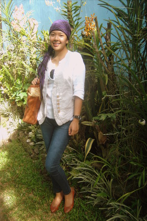 scarf - jeans - bag - wedges - vest - sweatshirt